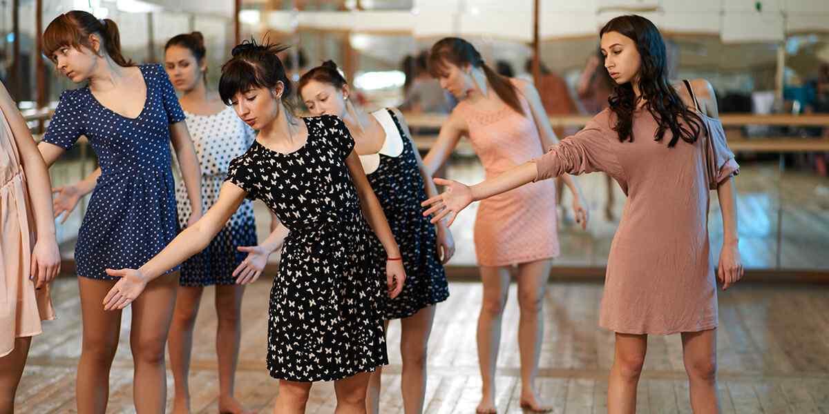 https://muveszetiszhely.hu/wp-content/uploads/2019/04/inner_dance_01.jpg